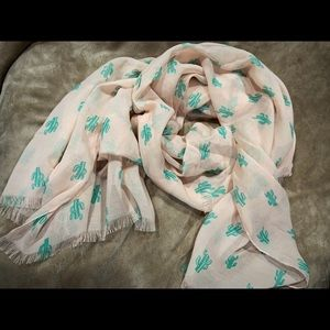 Accessories - Lightweight cactus print scarf